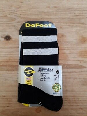 Defeet Aireator Cycling Socks - Black and white