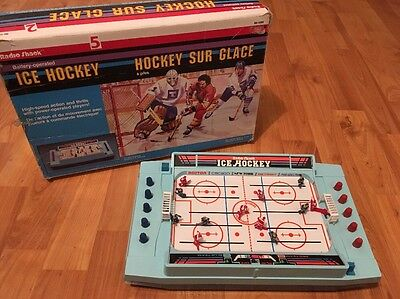 Radio Shack Vintage 80's Ice Hockey Battery Operated Game Tested & Working