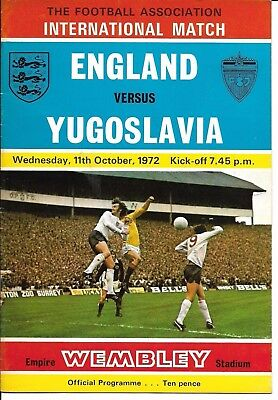 1972 England v Yugoslavia Friendly @ Wembley 11 Oct 1972 signed by Gordon Banks