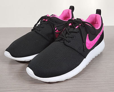 buy online 13480 ecdf5 Nike  Roshe Run  Sneaker, Black Mesh   Pink Youth Size ...