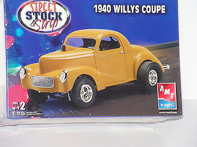 Amt#38529 1/251940 Willys  Coupe F/s