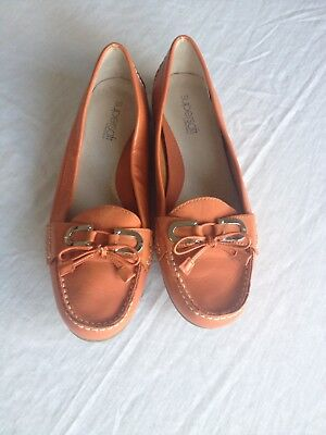 Supersoft By Diana Ferrari Womens Size 8c Brick Color Leather Shoes