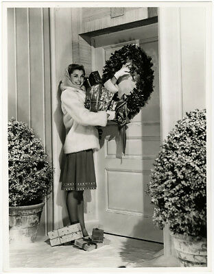 Winter Christmas Pin-Up Esther Williams Vintage 1944 Large Format Photograph