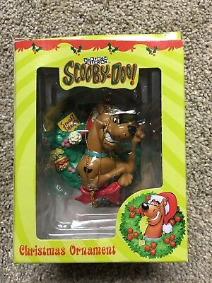 SCOOBY DOO Dog CHRISTMAS ORNAMENT SNACKS Burgers Wreath Vintage 1998 Cartoon