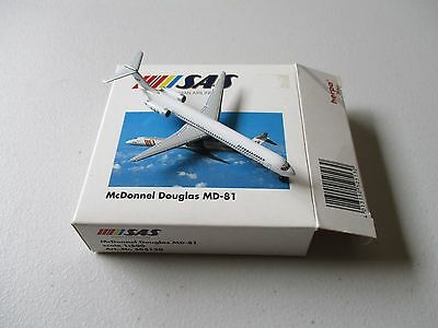 Herpa Wings 505130 SAS Scandinavian MD-81  RARE Six window cockpit version