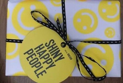 Lush New Gift Set In Date - Shiny Happy People