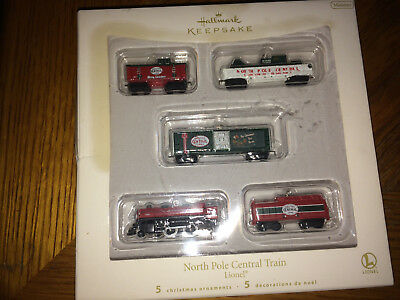 Hallmark Lionel Train North Pole Central Set of 5 Miniature 2007 Ornament NIB