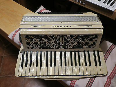 Piano Accordion 1940s Galanti in Excellent Condition. 4 Voice, Musette Tuning.