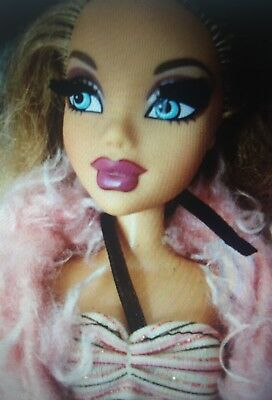 My Scene Masquerade Madness City Butterfly Barbie Mattel Puppe Sammler Lashes