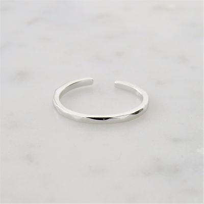 Sterling Silver 925 Hammered Band Toe Ring - 1.5mm | FREE UK Delivery!