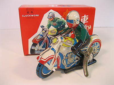 MOTORCYCLE WITH RIDER 1980's MODEL TIN LITHO CLOCKWORK CHINA w/BOX MINT MS702