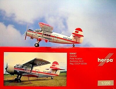 Herpa Wings 1:200  Antonov AN-2  Aeroflot Polar Aviation CCCP-32338  558587