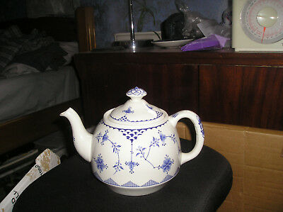 Furnivals of Denmark blue + white transferware  large teapot with lid in vgc