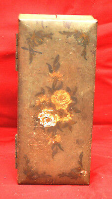Vintage Table Top Flip Open 3 Pack Metal Cigarette Case ~  Green with Roses
