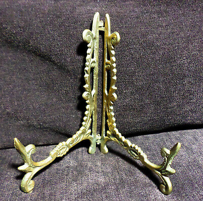 BEAUTIFUL Ornate Vintage Brass Display Plate Stand Tabletop 5 in high - Ex