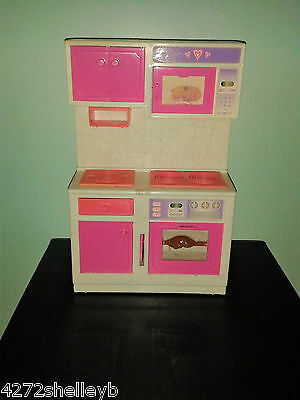 BARBIE/SINDY SIZE FURNITURE KITCHEN UNIT,OVEN ECT   by GEOFFREY INC from 1980's