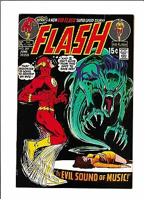 """Flash #207  [1971 Vg-Fn]  """"the Evil Sound Of Music!"""""""