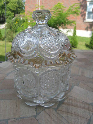 """VINTAGE SUGAR BOWL W/STAR  CLEAR GLASS AND SOME GOLD 6.5""""in tall"""