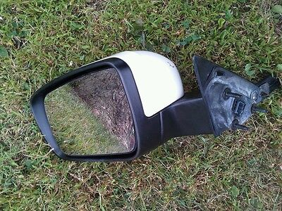2005 - 2007 Ford  500 Mercury Montego Driver Side Power Mirror White Oem