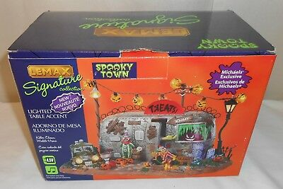 LEMAX Spooky Town Killer Clown Mobile Home