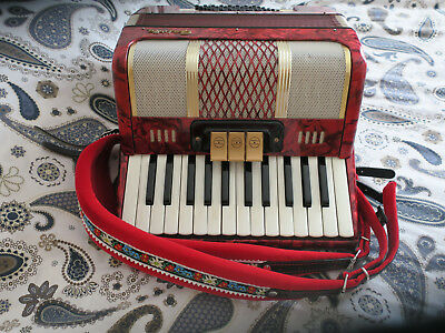 Piano Accordion 48 Bass, 2 Voice GALOTTA Student Instrument.Very Good Condition.