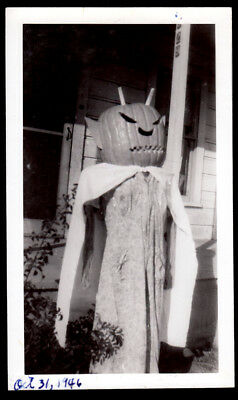 Satanic Jack-O-Lantern Freak Costume Porch Dummy ~ 1946 Vintage Halloween Photo