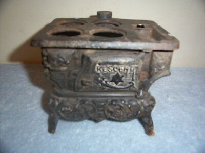 Small Antique Victorian Crescent Cast Iron Toy Stove And Oven
