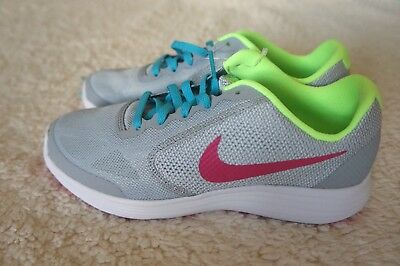 NIKE Revolution 3 (GS) Running Tennis Shoes sneakers Girls's youth Size 4