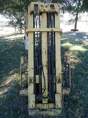 Caterpillar Forklift Mast & Tynes Only