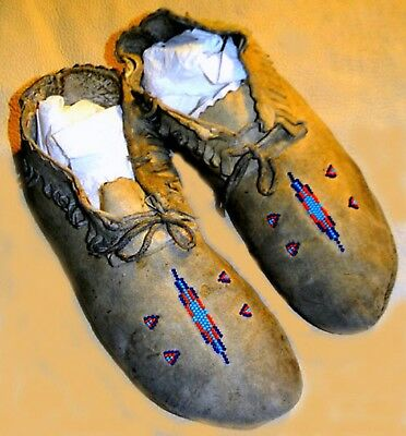 "Vintage Antique 1920s Cheyenne Beaded Tanned Buckskin Leather 9.75"" Moccasins"