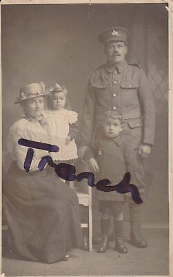 Lincolnshire Regiment Great war soldier and Family, Super clear postcard.