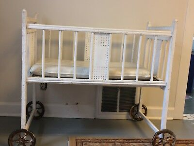 Antique Wood Baby Crib bed bassinet on Wheels RARE Vintage PU only!