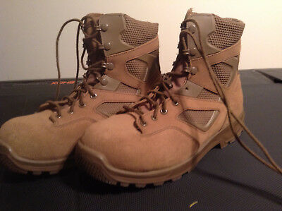 Canadian Military Terra Books Size 10 1/2