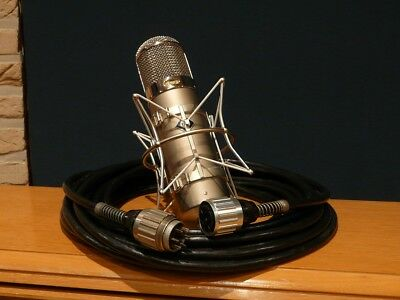Neumann U47 microphone cable with connectors