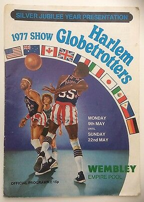 Harlem Globetrotters Programme 1977 with autographs inc Meadowlark Lemon