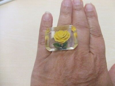 vintage 1940's clear Lucite w/ yellow rose flower ring sz 9 Reverse carved VGUC