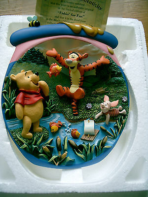 Bradford Exchange 3D Plate Pooh's Honeypot Adventures Fishing For Fun Boxed
