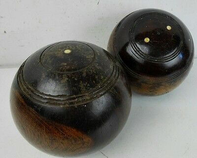 2 vintage wooden green lawn bowls old