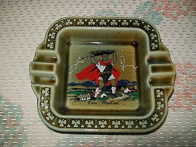 LARGE VINTAGE 'IRISH PORCELAIN-WADE' ASHTRAY (Finn McCoul design)