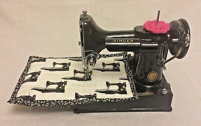 Vintage Singer Featherweight 221K Sewing Machine