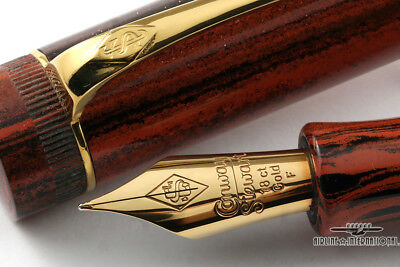 Conway Stewart Churchill Wood Grain Marlborough Vintage Fountain Pen #011/300