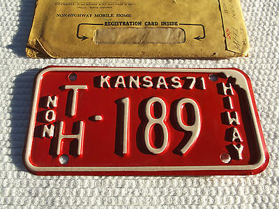 """1971 KANSAS NON HIWAY """"Mobile Home"""" License Plate # TH-189 Unissued NOS Plate"""