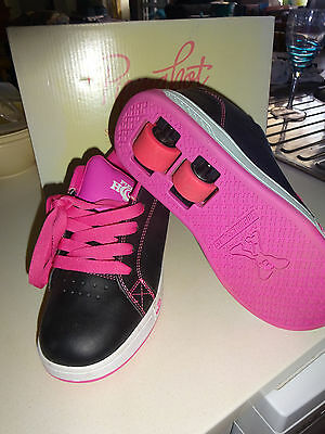 Girls Piping Hot skate shoe size 3 as new