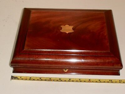 Beautiful Antique Mahogany Lined Collectors box with lift out tray