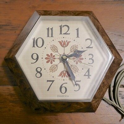 "Vintage Westclox ""Frolic"" Retro Country Cabin 26395 Hexagon Kitchen Wall Clock"