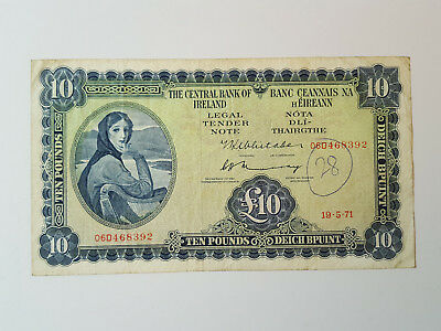 Central Bank of Ireland Lavery £10 Banknote - 19.5.71 - 06D 468392 P66c Grafitti