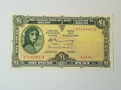 Central Bank of Ireland Lady Lavery £1 Banknote 30.9.76 61L636215 AEF