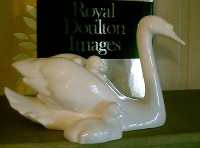 Royal Doulton Images Of Nature Swans Motherly Love Hn3545 White China Perfect
