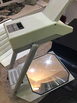Vega SAVA C2 Portable OHP / Overhead Projector With Case