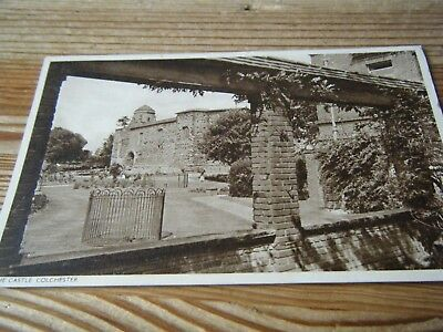 1950  CARD -  THE  CASTLE  - COLCHESTER - ESSEX - No 21495   FRANKED  COLCHESTER